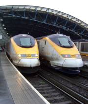 Eurostars at Waterloo International Station. Photo by en-Wikipedia user Willkm