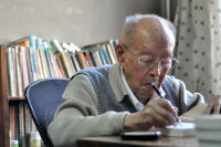 Zhou Youguang at home in Beijing in 2012. Photo by Charlie Fong, CC BY-SA 3.0 licence